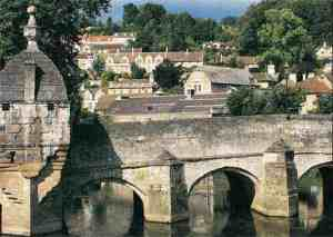 I'll be mooching over this little bridge in Bradford on Avon, that's for sure!