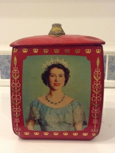 The very same tea tin!