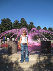 Yey, pink fountain!