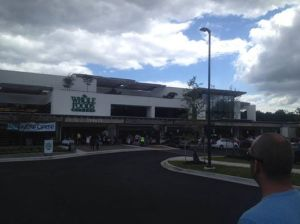 A Sunday morning middle class queue (line) at Whole Foods, Columbia! Check it out! The bread will still be fresh, folks! ;)