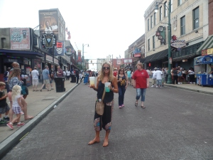 Drinkiepoos in Beale St